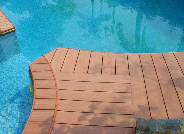 Piso Tecnologia para o Exterior Decking anti ideal Composite para piscinas de correr desde não afetado pela umidade, tem secagem rápida e resistente à luz solar, assim você não precisa de manutenção periódica das plataformas, plataforma para piscina em Murcia, agora temos esta cor dais descontos sintéticos e ofertas sazonais