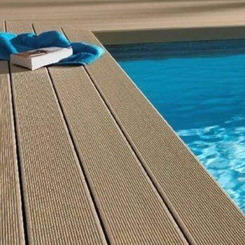 TARIMA COMPOSITE WPC de alta calidad para PISCINAS suelo de exterior antideslizante con garantia de 15 años, Suelos instalados en Marbella Murcia Cartagena Benidorm Alicante y Madrid